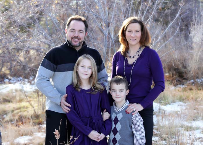 08-family_purple_matching_clothes_color_kids_fun.jpg