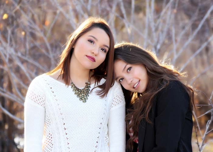 93-1-family_girls_sisters_portraits_light_seniors.jpg
