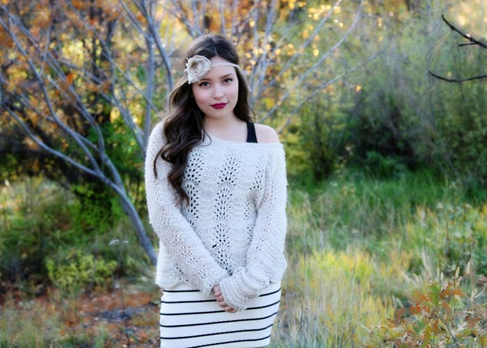 27-castle_rock_view_douglas_county_senior_2014_lipstick_makeup_flower_head_2014.jpg