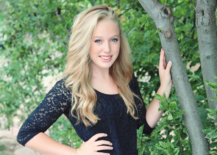 44-senior_tree_blonde_blue_sexy_pretty_castle_rock_highschool.jpg