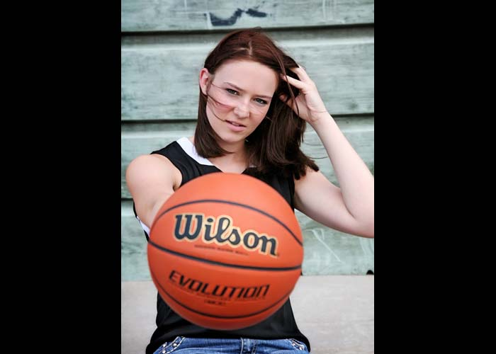 52-basketball_sports_senior_portraits_family_team.jpg