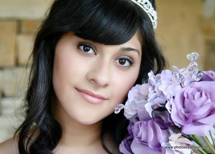 quinceanera_girl_flowers.jpg